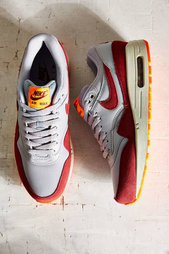 Nike Air Max 1 Essential Sneaker
