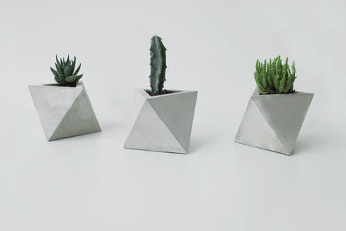 Octahedron concrete planter