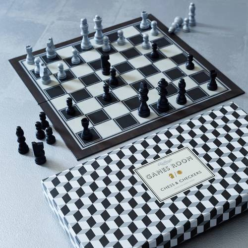 Ridley's Games - Chess set