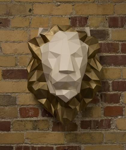 Lion wall kit