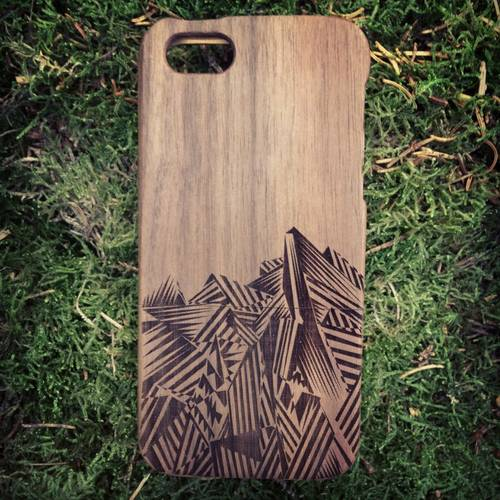 Träe Walnut Wood iPhone Case